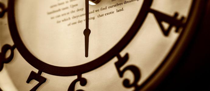 競輪の歴史をしめす時計